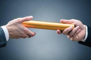 baton_hands